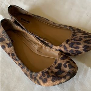 Mossimo leopard flats size 8